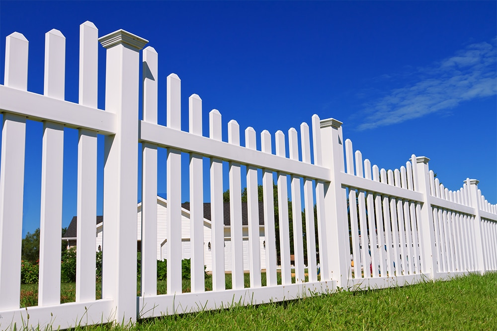 Read more about the article How Strong is Vinyl Fencing?